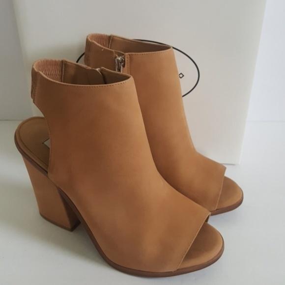 050ac5daefb New Steve Madden Valencia Leather Peep Toe Sandals NWT